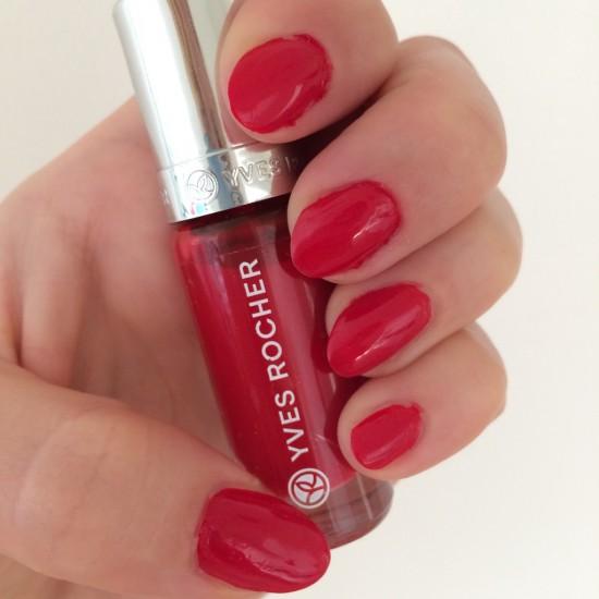 röda naglar
